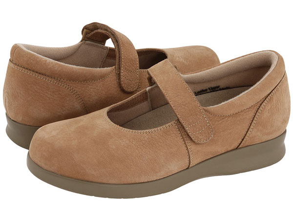 comfort shoes, womens wide width shoes, sandals, boots, wide fitting, ladies